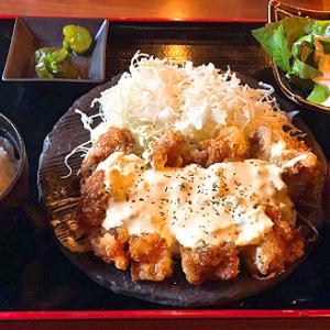 「馬る-Tokyo-」銀座コリドー街店 ご飯・味噌汁・サラダおかわり無料のサービスランチ「チキン南蛮定食」