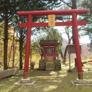 旧熊の平駅の横にある熊ノ神社の鳥居!人も少ないのでお参りに行ってきました。