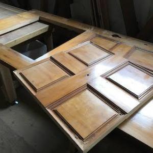 木製ドアのリフォーム