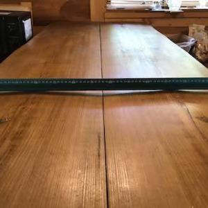 ログテーブルの天板直し‥‥