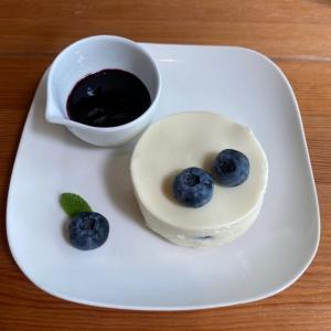 丹波篠山ふたばのブルーベリーケーキ