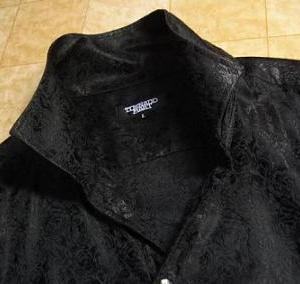 黒い服は良く買う?