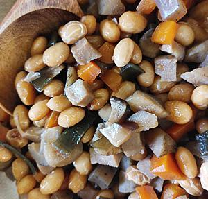 鶴の子大豆で 煮豆