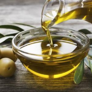食品用植物油を肌に塗るのってどうなの?