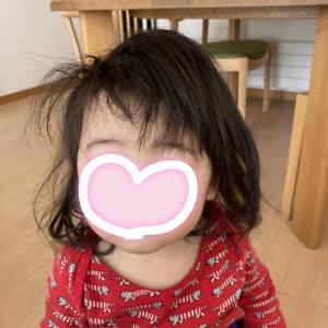 【1才1ヶ月】前髪を切りました。自宅ヘアカット3回目でだいぶ慣れてきた。