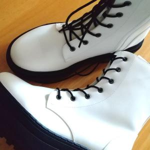 2足目追加購入!定価でも欲しかったGUのブーツ