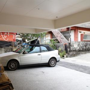 敷地と建物と駐車場、構造の工夫
