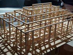 二柱(フタハシラ)の寄棟木組み模型