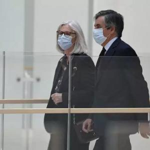 モト首相フィヨンに実刑判決