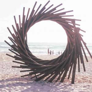 Swell Sculpture Festival は今日まで
