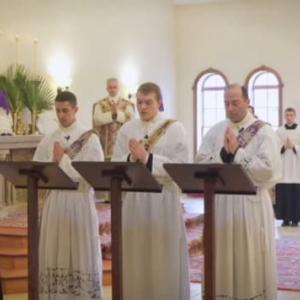 聖ピオ十世会の「聖トマス・アクィナス神学校」における昨年の枝の主日の動画