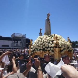 時がやって来た。教皇様が、世界中のカトリックの司教様と一致して、ロシアをご自分の汚れなき御心に奉献するように。もしもそうすれば、世界には平和が来るだろう。