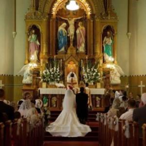 世界に、この人間の世界に最初に成立したのは、宗教と婚姻です。この二つともとても神聖なものです。