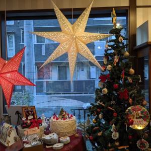 お店がクリスマスバージョンになりました