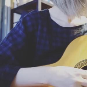 ギターがうまくいかず癇癪を起こす