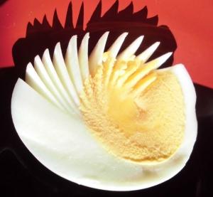 ゆで卵の半割方法
