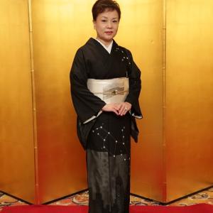 10周年・歌手高屋三佐江さん・お洒落訪問着に螺鈿の帯。