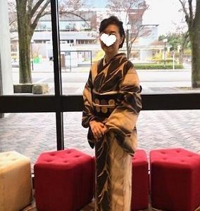 野田さんコンサート&ご来店のお客様・縞の着物に長羽織。