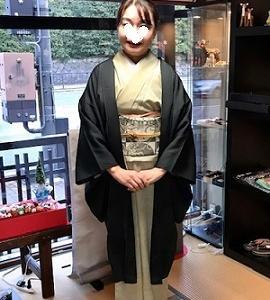 素敵な羽織姿でご来店のお客様・藤井絞、兎羽織新入荷。