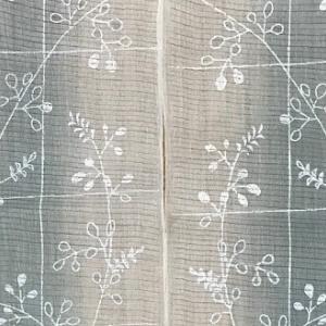 涼しげな萩の模様の小千谷の麻絽・藍染の半襟。