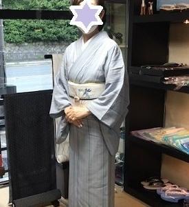 着物姿でご来店のお客様・夏大島に菖蒲の帯。
