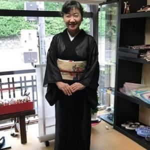 野田淳子さん・涼し気な紗の着物に祇園祭の帯。