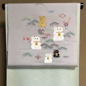京手描き友禅作家さんの招き猫染帯・前太鼓コーディネイト