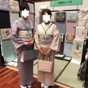 西陣織元コレクション・着物姿のお客様・会場の様子。
