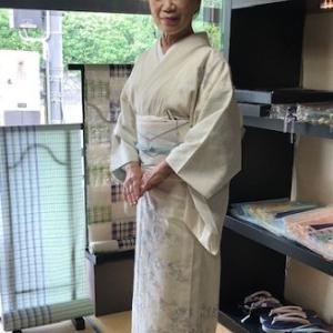 ご来店のお客様・生紬単衣に滋賀喜織物八寸帯。