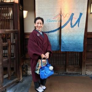 クリスマス会・半世紀のお友達・野村エミさん迫力の龍の帯