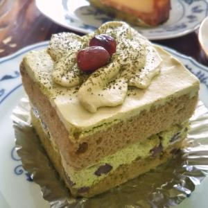 浜松市天竜区山東『マスダヤ洋菓子店』の抹茶ケーキ♪