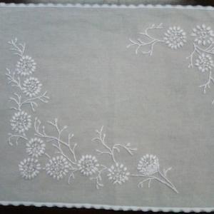 手づくり手帖18 白い刺しゅうのドイリー