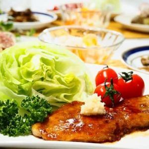 白いご飯がすすむ☆とんカツ用ロース肉のしょうが焼き&きのこのきんぴら☆