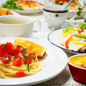 ♪完熟トマトのパスタ&蒸し鶏のサラダ♪
