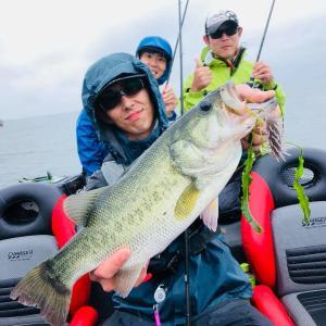 たまらんばい永野ガイド、エビモエリアで釣れてます!