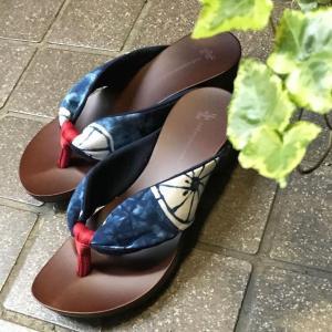 水鳥-mizutori-ここちよい下駄 鼻緒のやさしい感触と足裏にぴったりフィットす...