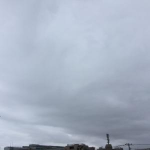 雲に隠れて