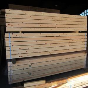 木材を選んで、加工を行っています ・・・ 住宅新築