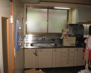 キッチンのリフォーム ・・・システムキッチン入れ替えをします