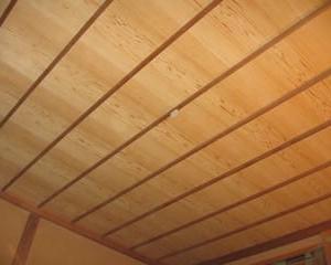 和室、イナゴ天井板張替え ・・・ 竿縁天井の修繕 完了