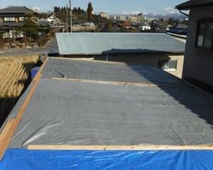 趣味の隠れ家 新築 施工模様 ・・・ 屋根