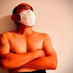 マスクをするバカ