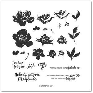 【そしてカードになりました】重ねてスタンプしたお花をエレガントに飾って