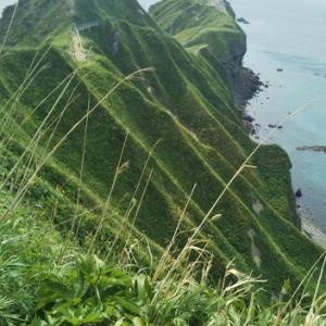 大自然の神秘とビックリな伝説に出会った「神威岬」