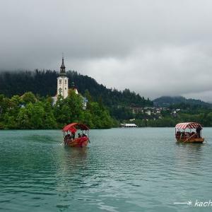 美しいブレッド湖で手漕ぎボートに乗る★クロアチア&スロベニア旅行