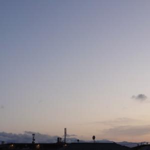 今日の空と4時半から晩ごはん