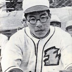 ★日本初の永久欠番「4」黒沢俊雄外野手~戦後、腸チフスに倒れた好打者。
