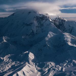 厳冬期のデナリ山(6190m)