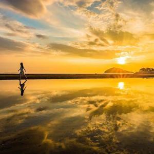 絶景!香川の砂浜でヤドカリとたわむる