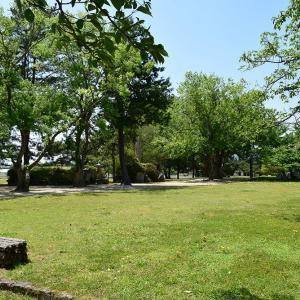 備中高松城跡と古戦場を歩く。 その2 <高松城址公園・本丸・清水宗治首塚>